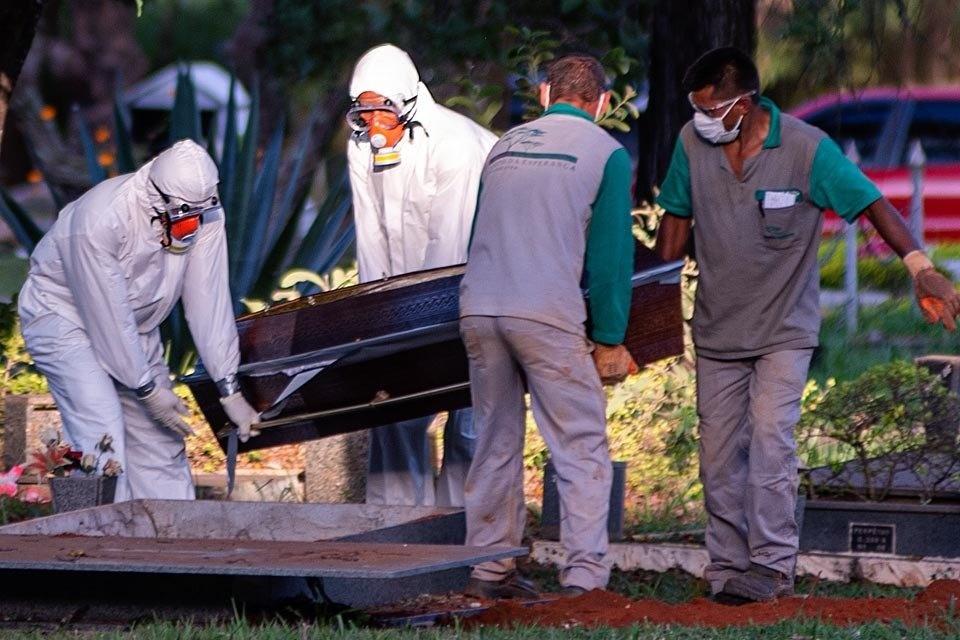 Antes de terminar, abril já tem recordes de mortes por Covid-19 em 8 unidades federativas