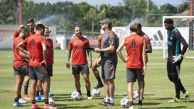 Sem descanso após novo título, Flamengo terá revezamento de jogadores