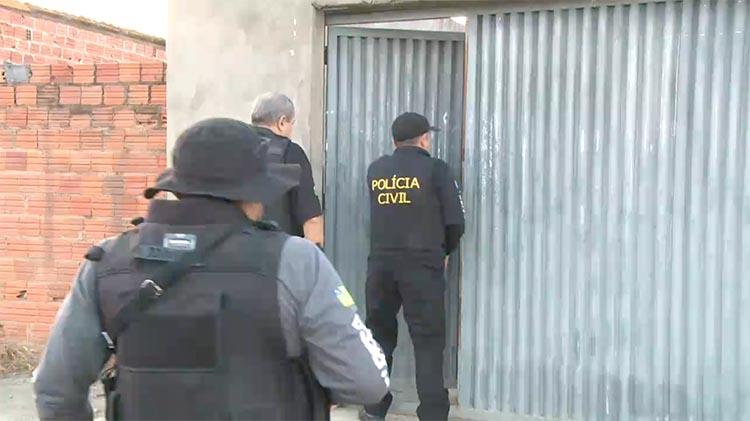 Operação da Polícia Civil cumpre mandados nesta quinta-feira