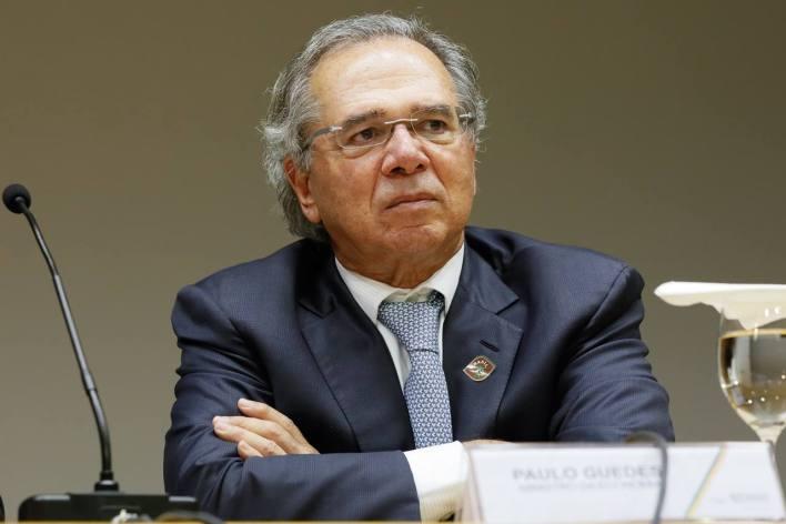 Paulo Guedes diz que Fies bancou universidade para filho de porteiro que zerou vestibular