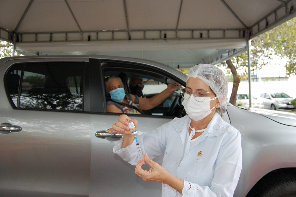 Teresina vacina pessoas de 61 anos contra Covid nesta terça (04)