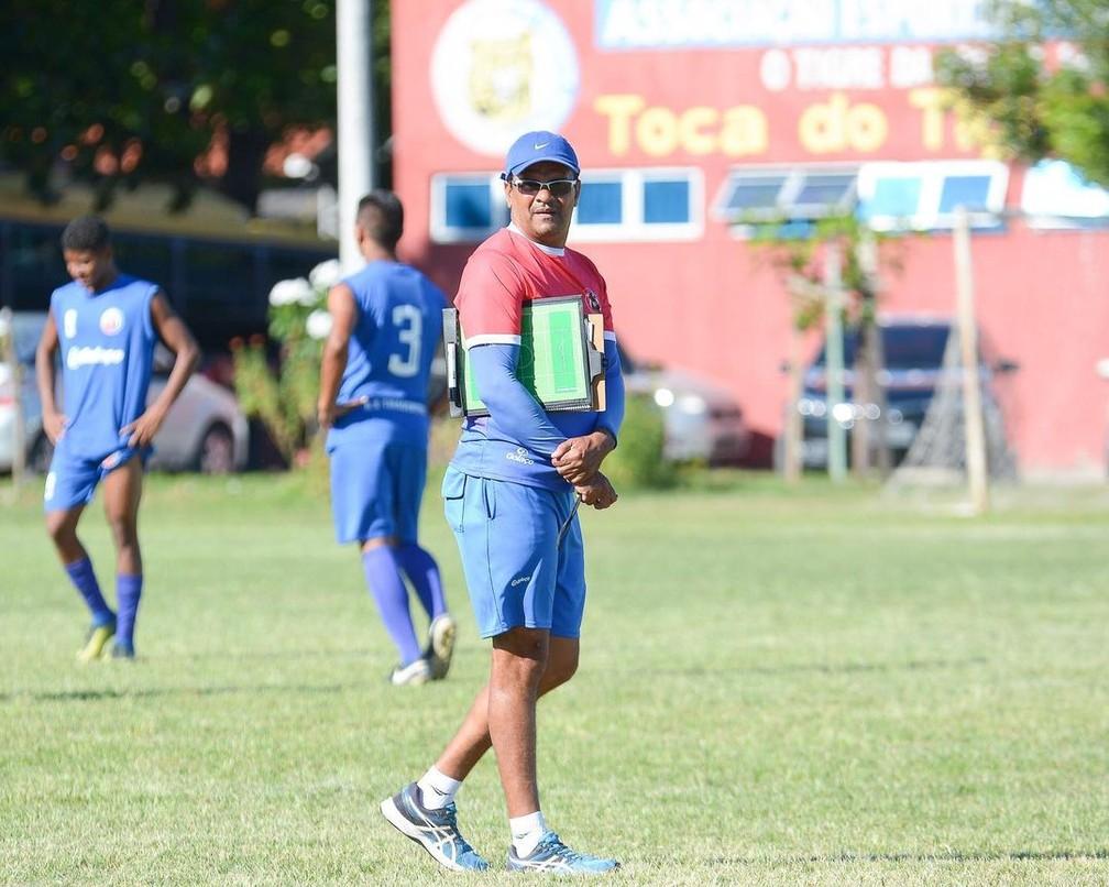 Picos anuncia chegada de Reginaldo França como novo técnico da equipe