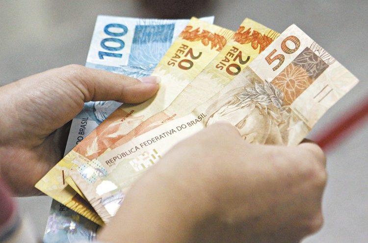 INSS: publicado decreto que antecipa pagamento de 13º de aposentados