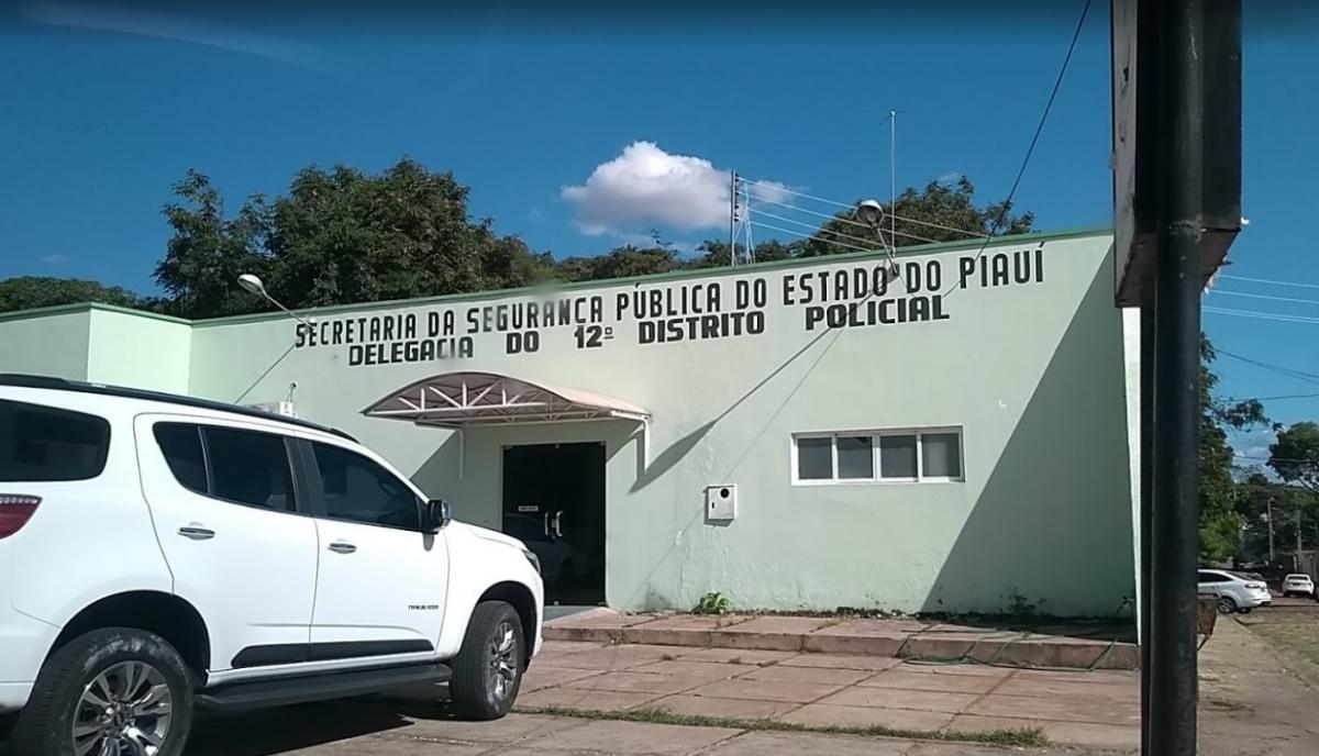 Bandidos invadem casa de auditor fiscal e fazem família refém