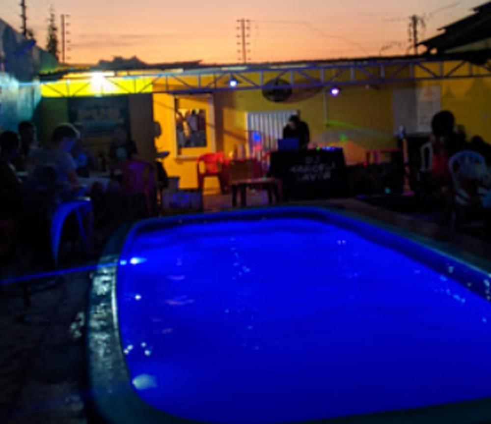 Jovem morre afogado em piscina de bar da zona norte de Teresina