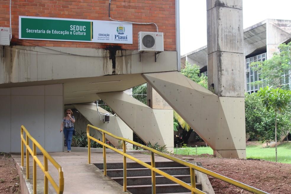Seduc realiza processo seletivo com salários de até R$ 2,4 mil no Piauí