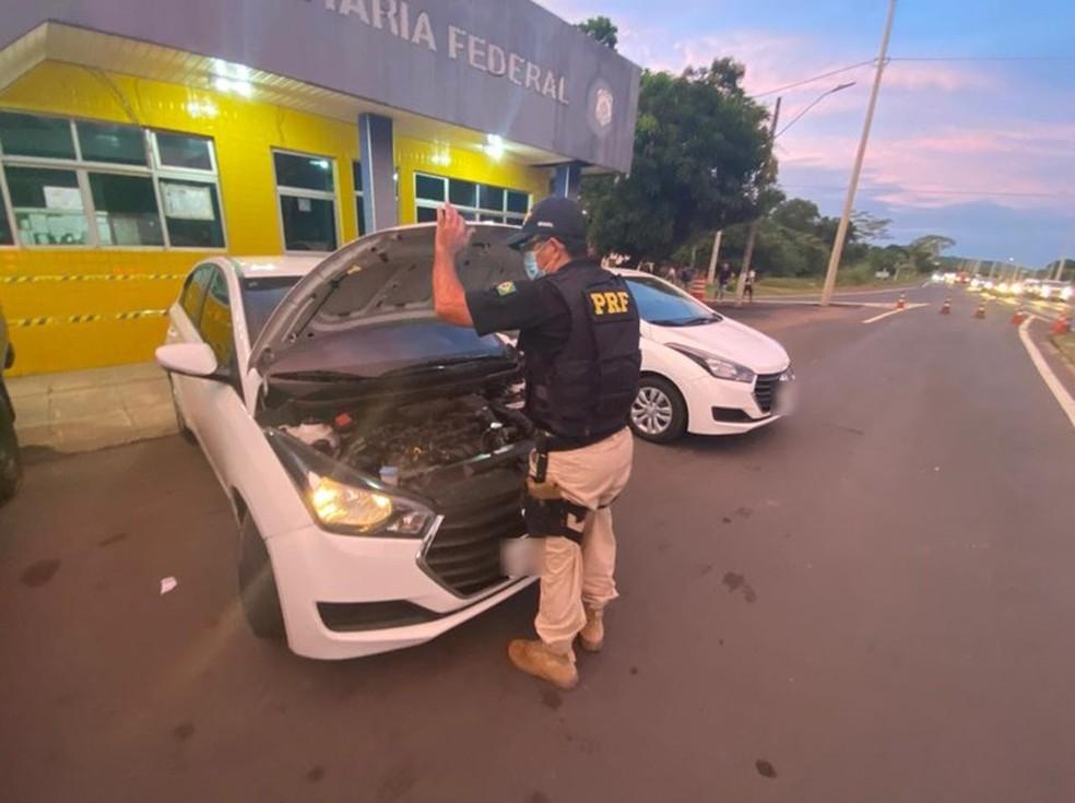 Suplente de vereadora é preso com carro clonado e documento falso