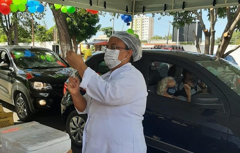 Vacinação da gripe terá sete pontos drive thru em Teresina; confira os postos