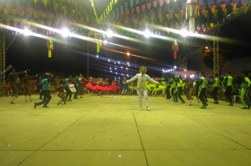 Grupos culturais encantam o público no segundo dia do Cidade Junina