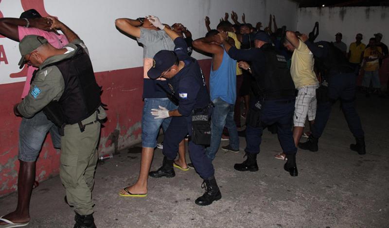 Dono de casa de show é preso suspeito de vender drogas no bairro Água Mineral