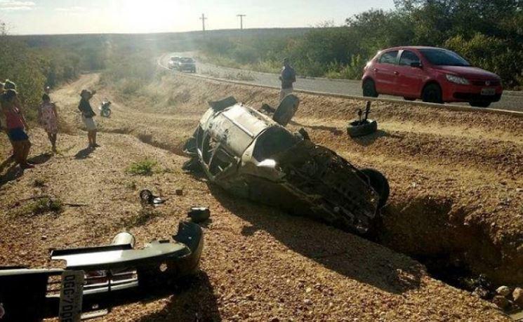 Duas pessoas morrem em grave acidente na PI-243