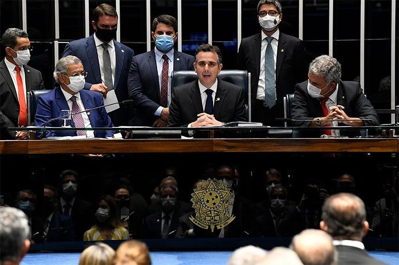 Congresso estuda prorrogar auxílio emergencial por até 2 meses, diz Rodrigo Pacheco