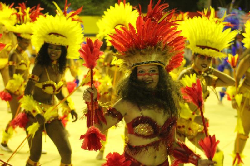 Grupos culturais movimentam o terceiro dia do Cidade Junina