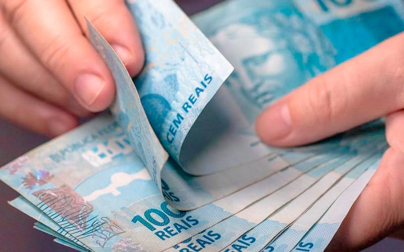 Câmara aprova MP que prevê reajuste do salário mínimo para R$ 1.100