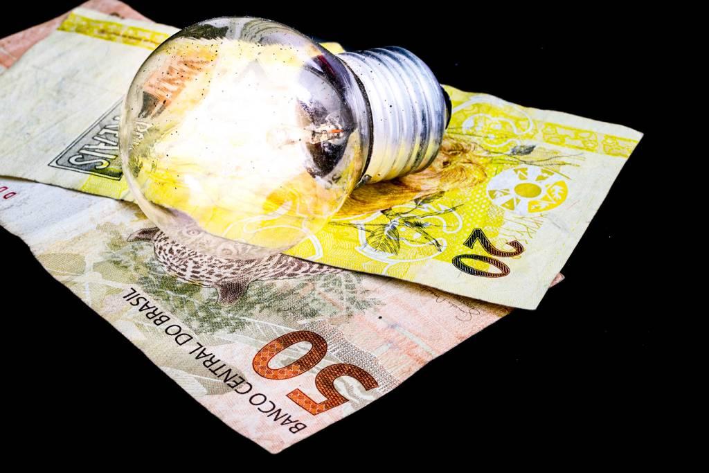 Conta de luz ficará mais cara em junho com bandeira tarifária no nível mais alto