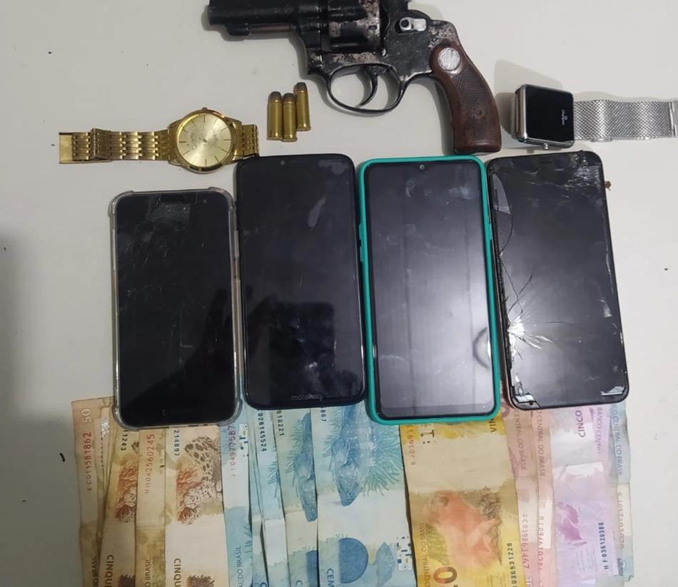 Quatro pessoas são presas acusadas de roubo na zona Sul de Teresina