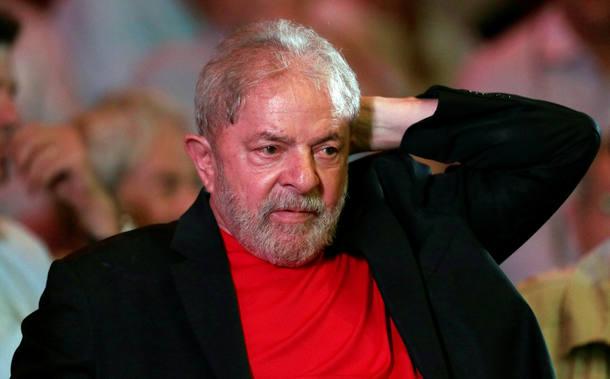 STJ nega recurso para que Lula seja solto e possa disputar eleição