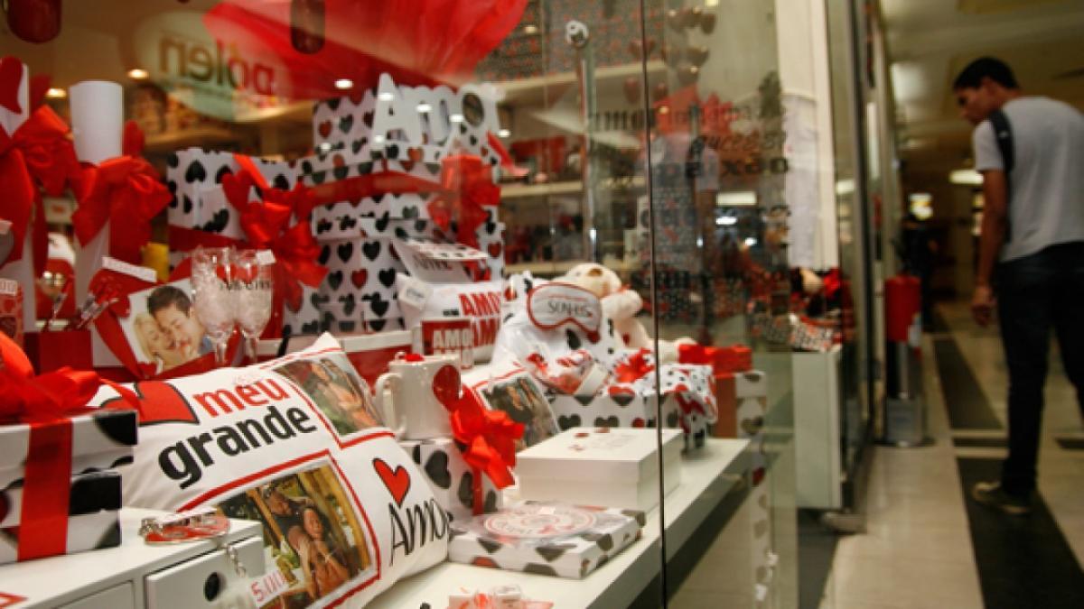 Comércio aposta em aumento de vendas para o Dia dos Namorados