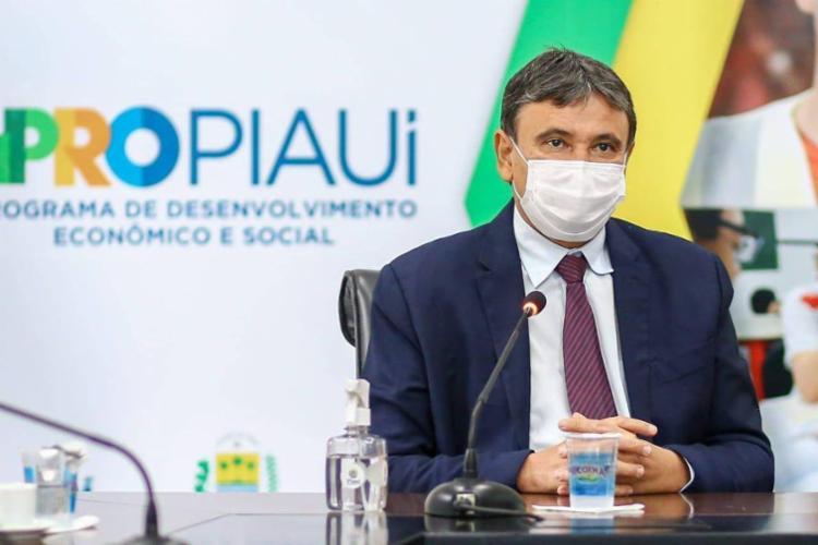 """Não usar máscara é """"jogar querosene"""" em incêndio, afirma Wellington Dias"""