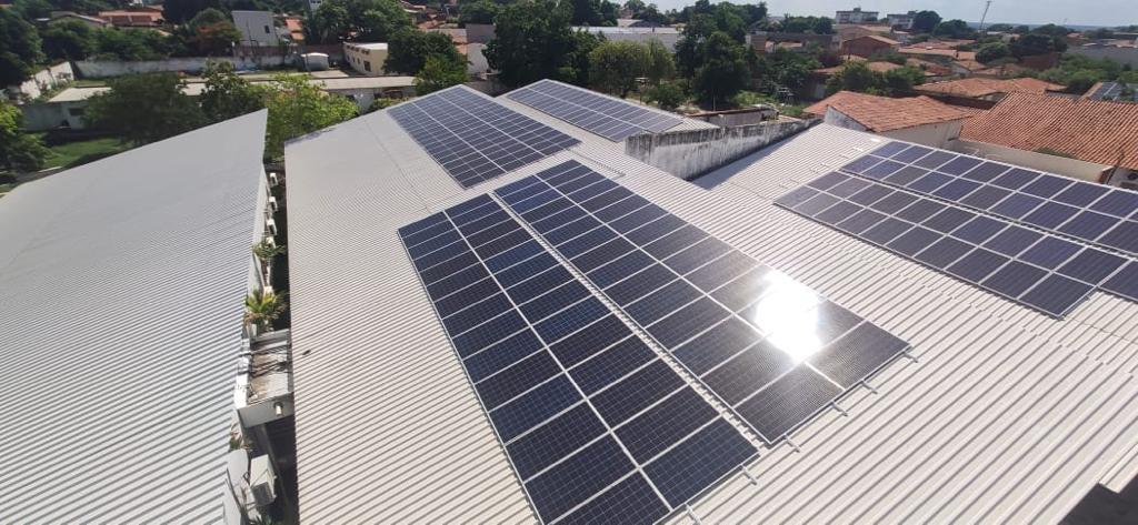 Lar de Maria recebe projeto da Equatorial Piauí e reduzirá valor da conta de energia em até 83%