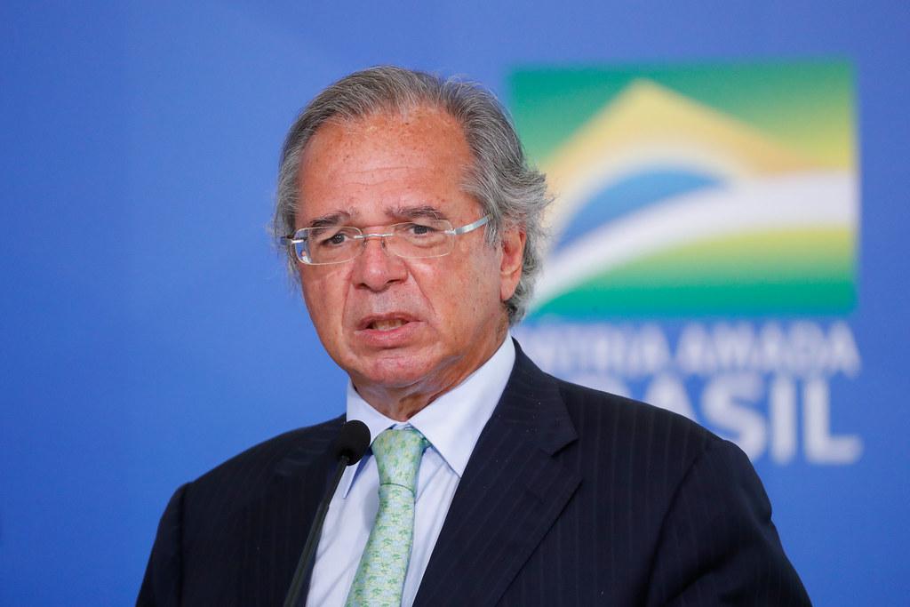 Paulo Guedes sugere alimentar os pobres com restos de comida dos ricos