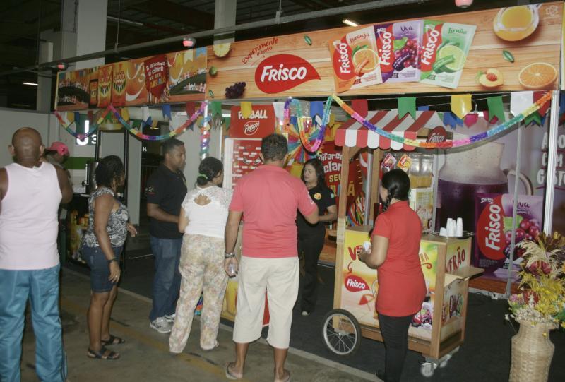 Café Santa Clara oferece degustação de produtos em stand no Cidade Junina