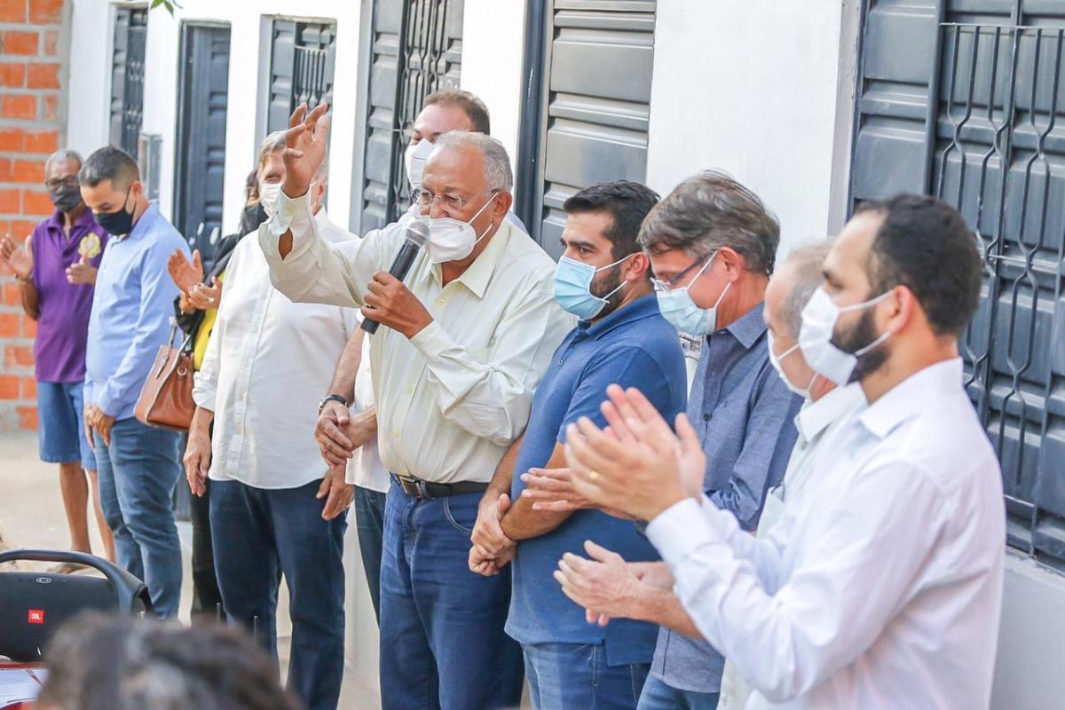 Prefeito Dr. Pessoa realiza entrega de residências na zona Sul de Teresina