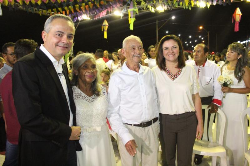 """Valter Alencar no casamento coletivo da Cidade Junina: """"cidadania e valorização da família"""""""