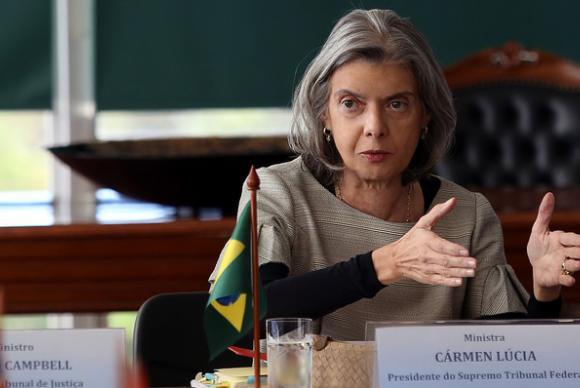 Cármen Lúcia assumirá Presidência da República por 12 horas