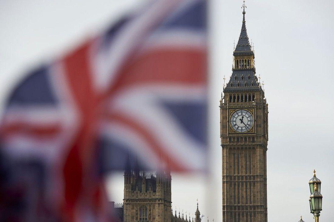 Inglaterra deixa de exigir máscaras, libera aglomerações e retira restrições contra Covid