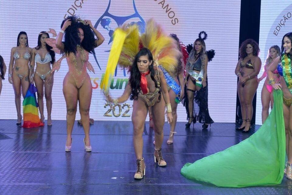 Miss Bumbum tem beijo entre candidatas e briga após vitória de Luna Leblanc