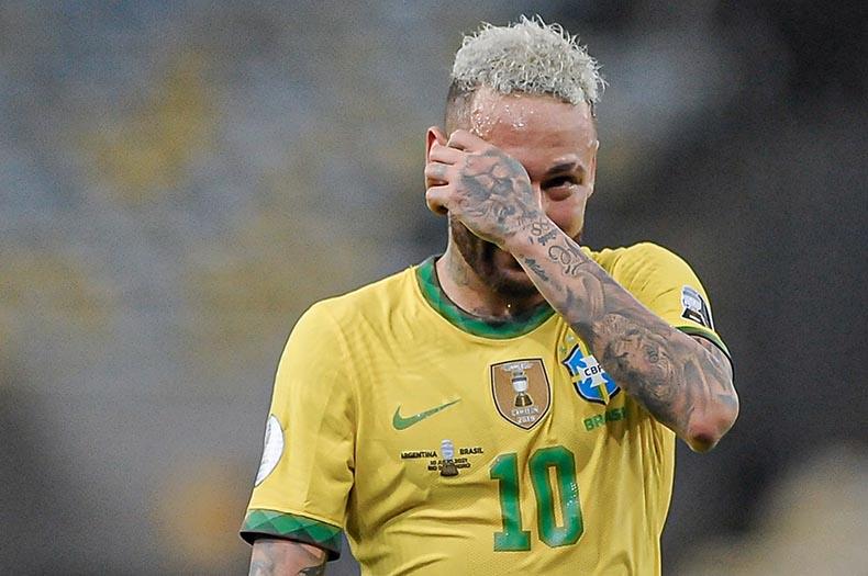 No Maracanã, Argentina bate Brasil, Messi triunfa e Neymar chora