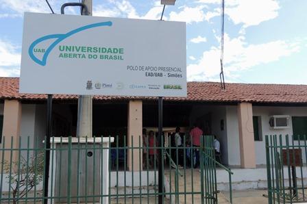 Universidade Aberta do Piauí lança edital com processo seletivo para 26 vagas