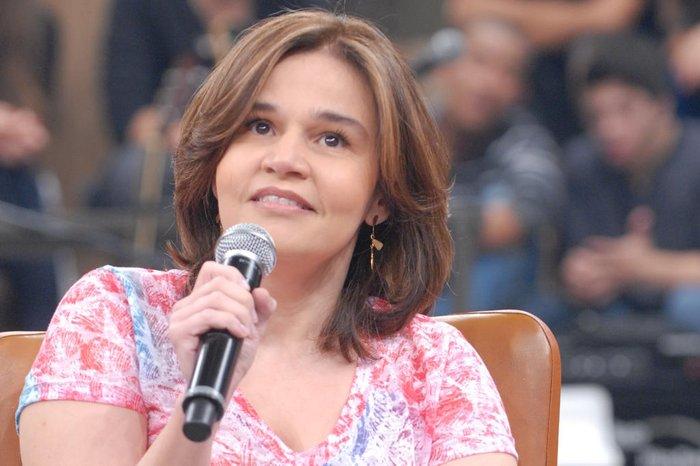 Claudia Rodrigues apresenta melhora e deixa unidade de terapia semi-intensiva