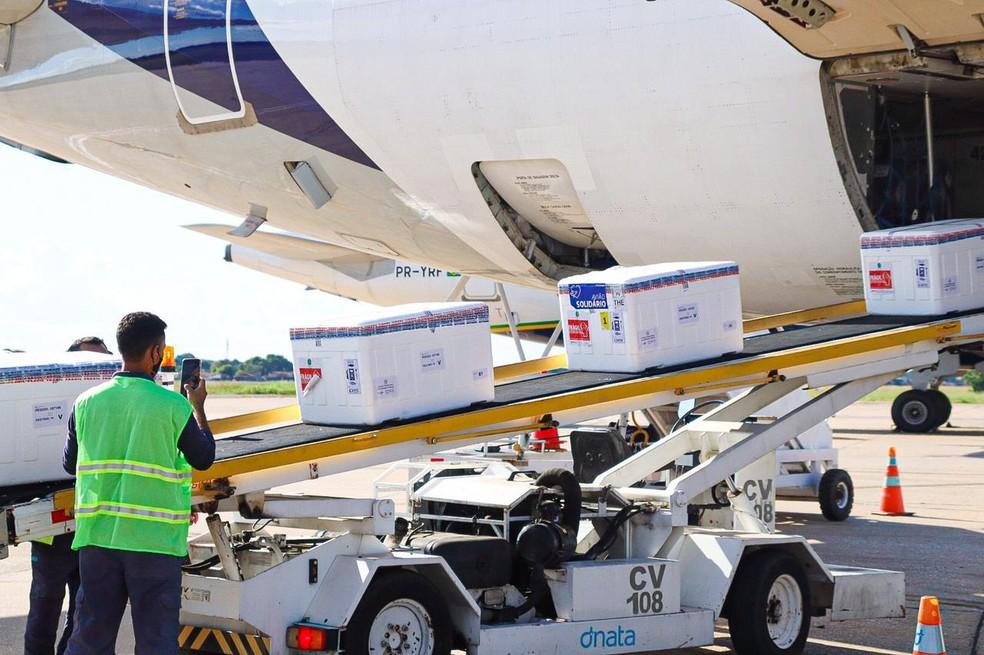 Piauí recebe mais de 100 mil doses das vacinas Coronavac e Astrazeneca
