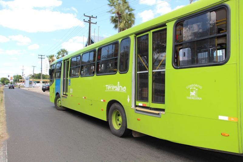 Assaltante é espancado ao tentar roubar ônibus em Teresina