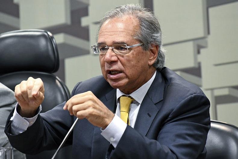 Guedes quer Trabalho e Previdência de volta após saída de Onyx para eleição