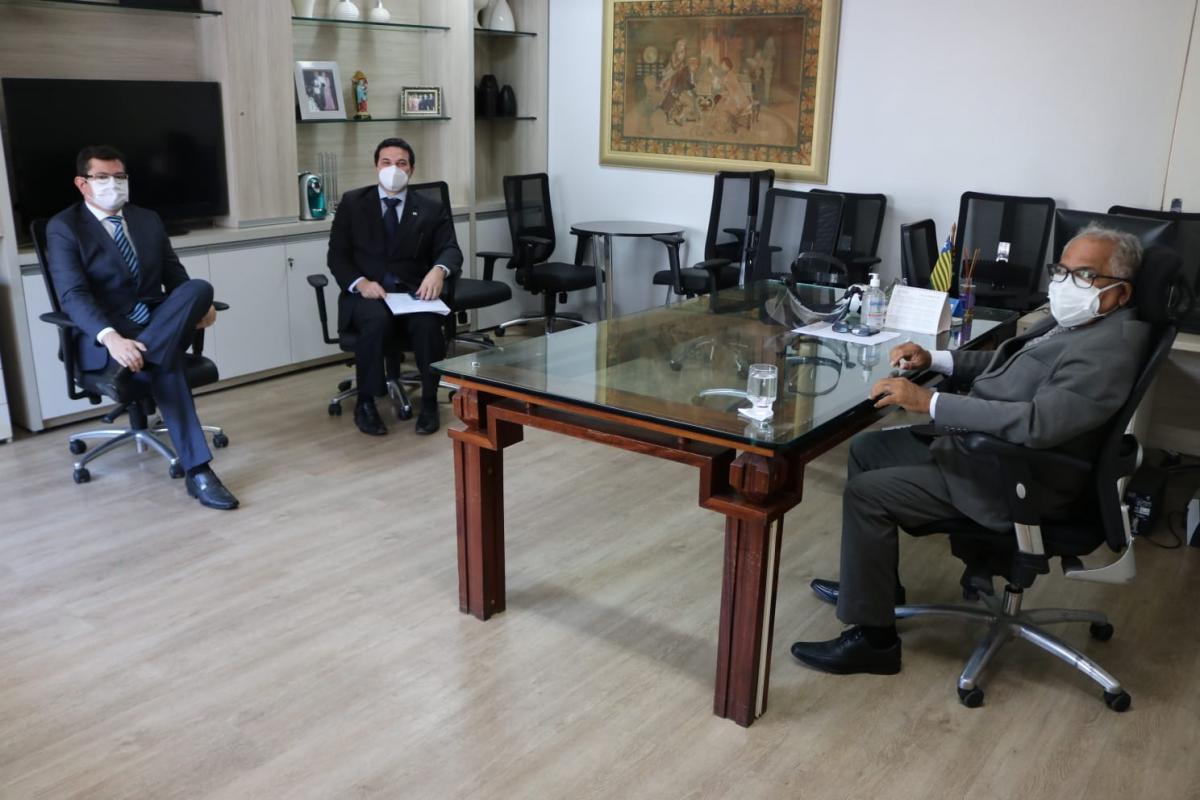 OAB Piauí cobra pleitos da Advocacia durante reunião com Corregedor-Geral da Justiça