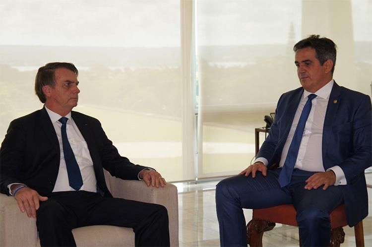 Bolsonaro oficializa reforma ministerial com nomeação de Ciro Nogueira na Casa Civil