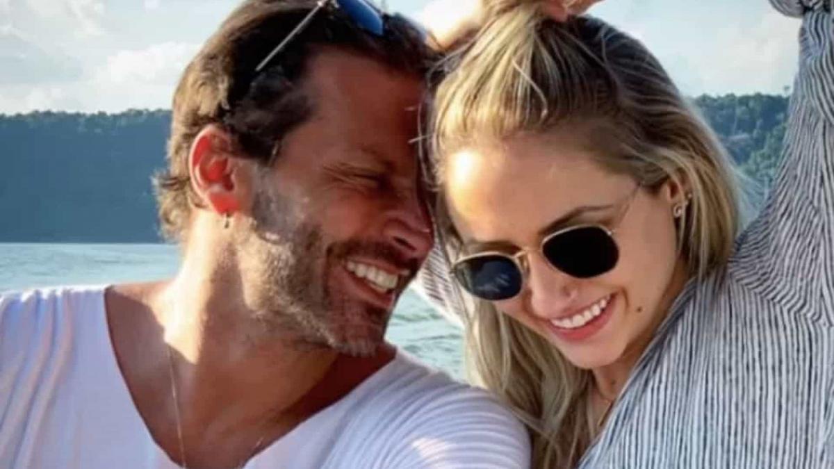 Henri Castelli e Sabrina Caminski terminam namoro após quatro meses