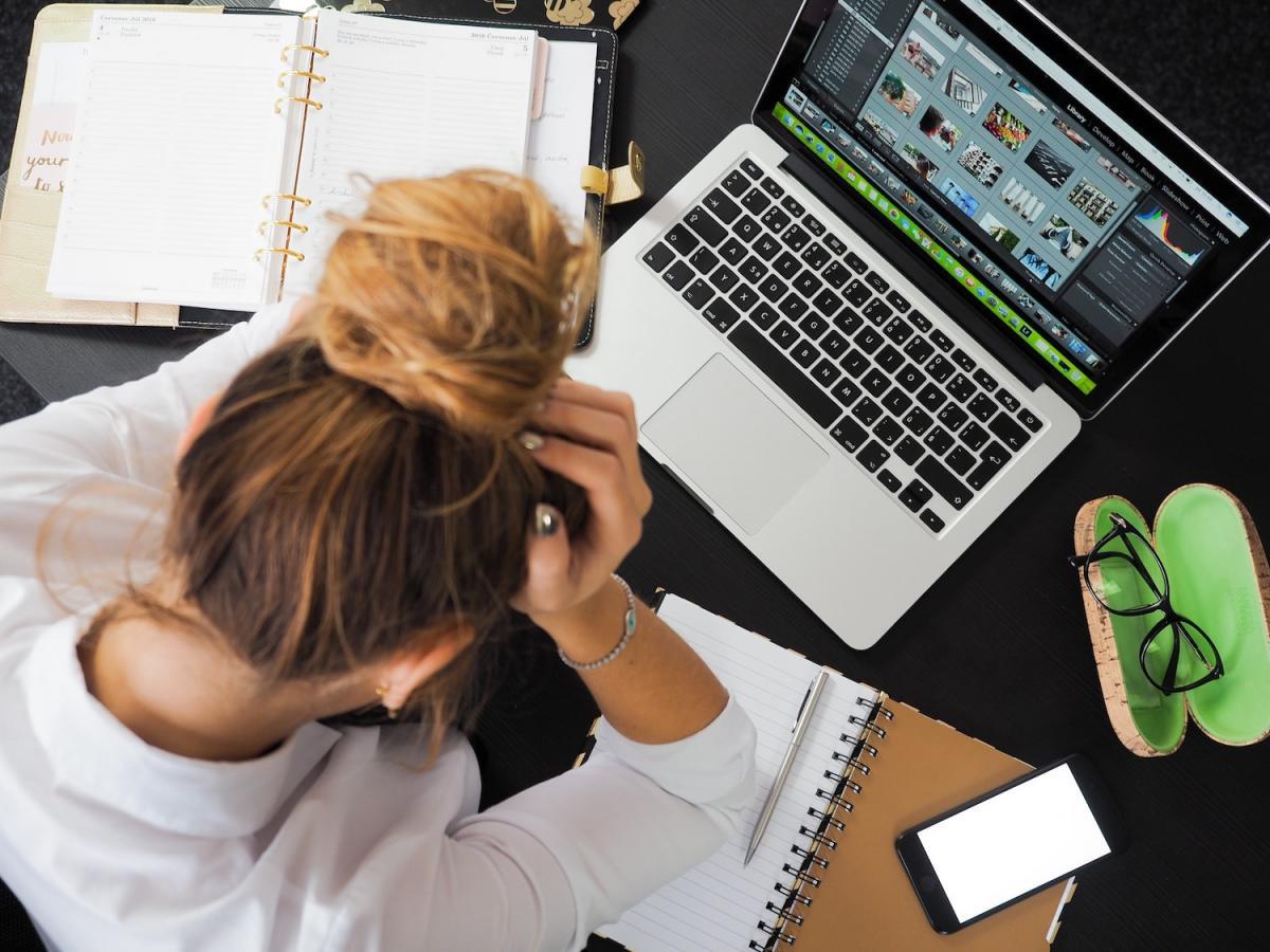 Longas horas de trabalho podem afetar saúde física e mental