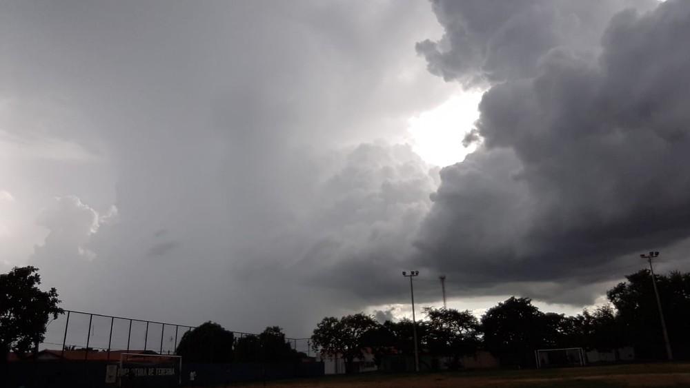 Previsão do tempo aponta pancadas de chuva em Teresina nesta sexta-feira (30)