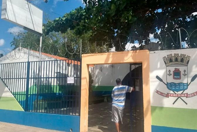 Criminosos roubam escola na zona Leste de Teresina