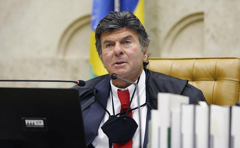 Nove ministros do STF e ex-presidentes do TSE rebatem Bolsonaro e defendem urnas eletrônicas