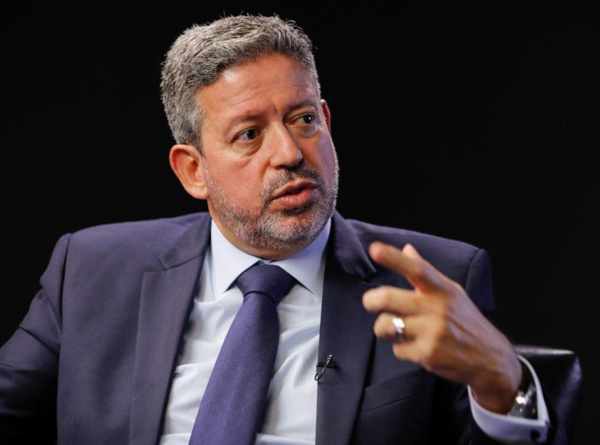 Lira nega Bolsa Família de R$ 400 e furo do teto de gastos