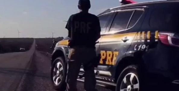 Motorista morre ao capotar veículo em rodovia no Piauí