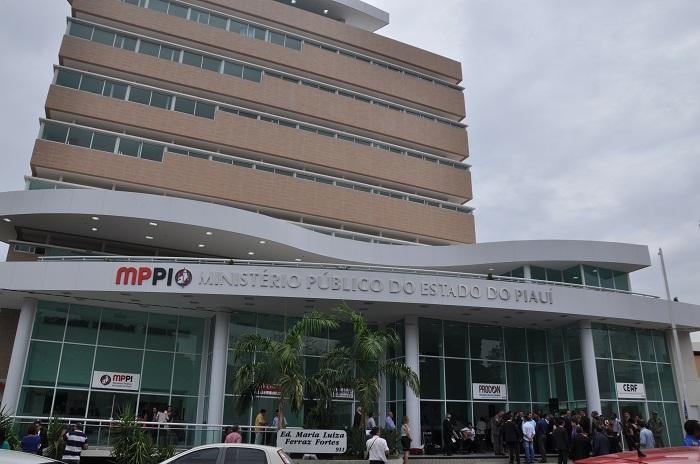 Supermercado Extra e Carvalho são investigados pelo Ministério Público