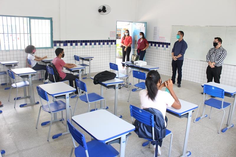 Escolas da rede municipal de ensino retomam aulas em formato híbrido