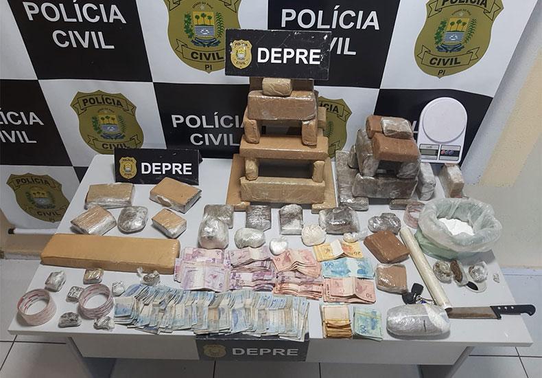 Dupla é presa com drogas e R$ 17 mil em casas na zona Sul de Teresina