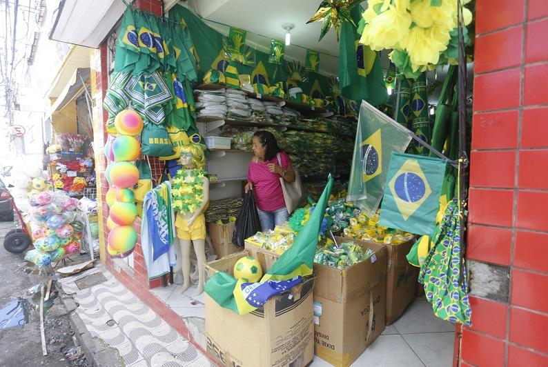 Estabelecimentos comerciais terão horário durante o jogo do Brasil